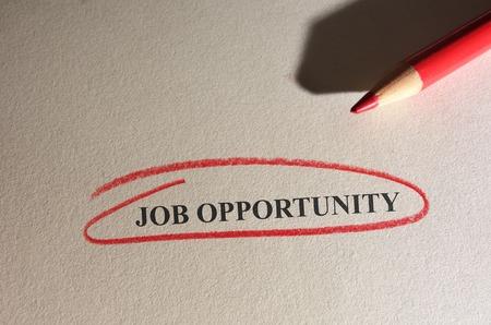 仕事の機会本文に赤鉛筆で囲まれています 写真素材