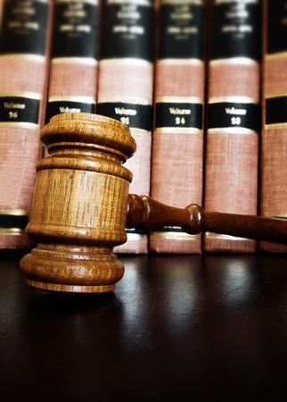 court legal gavel with law books 版權商用圖片