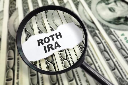 dollaro: Ingrandita messaggio Roth IRA sul dollaro centinaio Archivio Fotografico