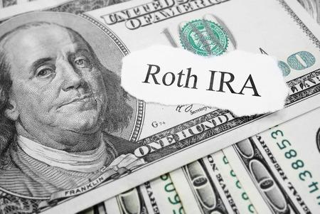 dollaro: Messaggio di carta Roth IRA in banconote da cento dollari