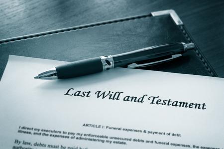 Testament document met pen