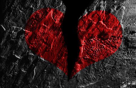 Gebrochene rotes Herz auf strukturierten Hintergrund Standard-Bild - 54552115