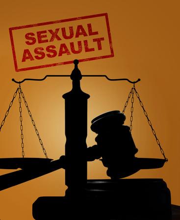 Maillet de Cour et balance de la justice silhouette avec le texte sur le divorce