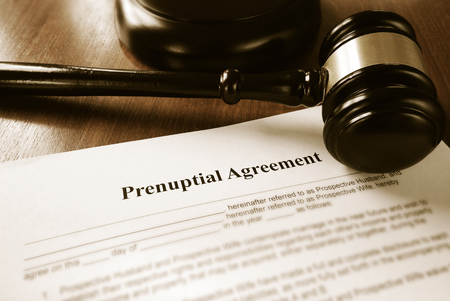 Prenuptial contract and court gavel Stock Photo