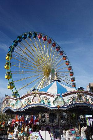 Myrtle Beach,SC/USA - 1-09-2020: Broadway at the Beach ferris wheel and carousel, a popular tourist destination in Myrtle Beach South Carolina 新闻类图片
