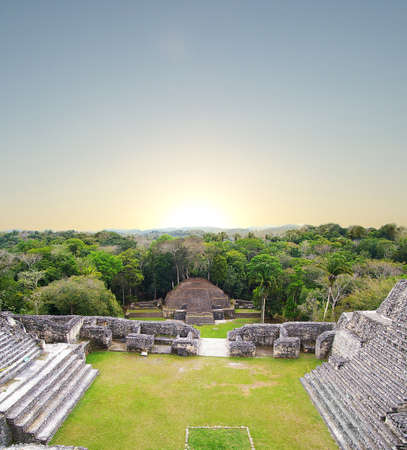 Ancient Mayan temple at Carocol, Belize, Central America Standard-Bild
