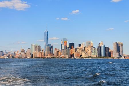 hudson: Manhattan Skyline over Hudson River, New York City, USA