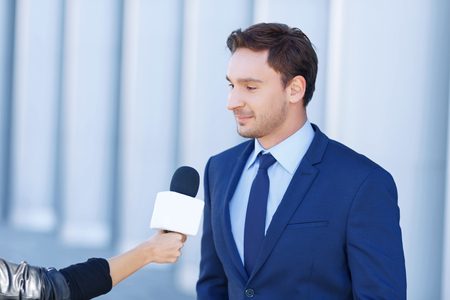 narrator: Narrator time. Young perspective gentleman is in the middle of being interviewed by a reporter.