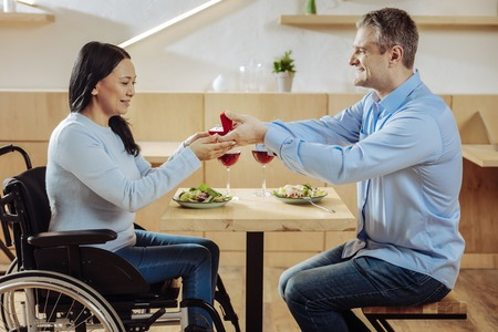 Dating rolstoel Guy