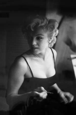 """Portrait of Marilyn Monroe by photographer Sam Shaw. Photo exhibition of Sam Shaw's """"Marilyn and Marlon"""". Gallery 35, Moscow, Russia. 09.12.2009 Redakční"""
