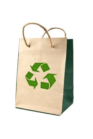 reusable: sacchetto di carta riutilizzabili isolato su sfondo bianco, il concetto di conservazione Archivio Fotografico