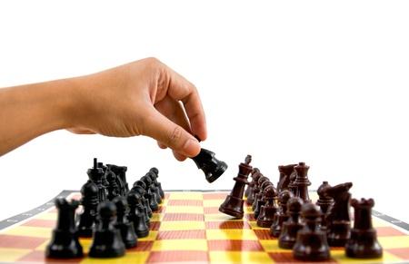 gamesmanship: los combates entre el ej�rcito de color marr�n y negro en tablero de ajedrez