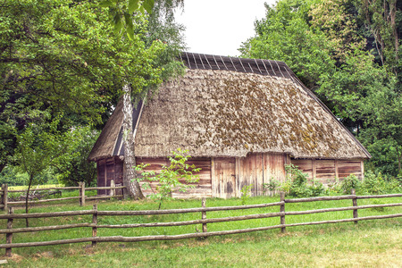 mage: mage Ukrainian wooden barn Thatched locked uph
