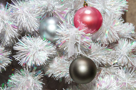 mage: mage colored balls on the Christmas tree  artificialt
