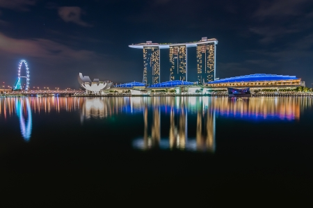 sand harbor: nightcityscape-singapore Editoriali