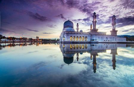 likas: Sunrise Kota LIkas Mosque Sabah Malaysia