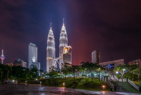 gemelas: Kuala Lumpur en la noche
