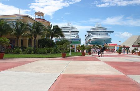 Large cruise ships near Saint Maarten Island