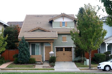 single dwelling: Beautiful home in suburban neighborhood