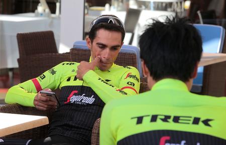 b98354f6a Alberto Contador Stock Photos And Images - 123RF
