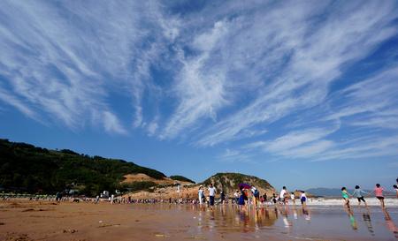 pandilla: Paisaje de la playa en Niulang Pandillas Editorial
