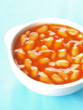 bowl of baked beans    photo