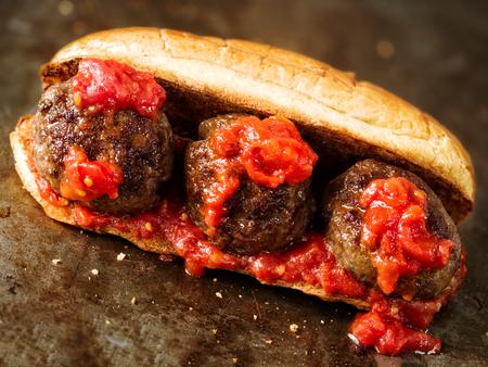 close-up van rustieke Amerikaanse Italiaanse gehaktbal sandwich