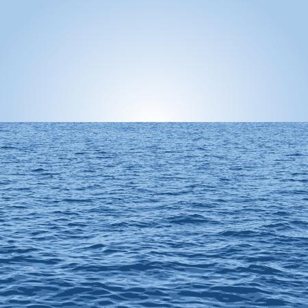 illustration vectorielle de la mer et du ciel