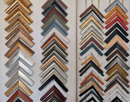 Colorful samples of picture frames molding Фото со стока - 129274339