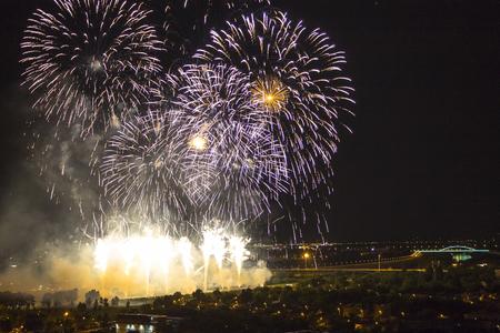 祭りは 3 日間続くザグレブの花火 写真素材