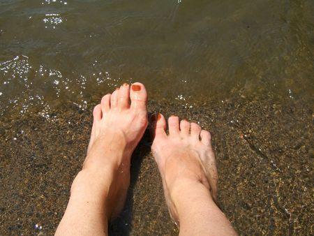 Afkoelingsperiode voeten op een hete zomerdag