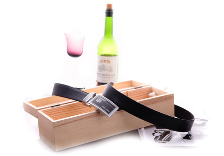 leather belt:  leather belt with wine