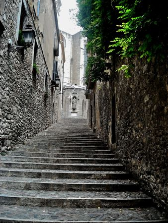 Old stone staircase receding into the past Stock Photo - 6119921