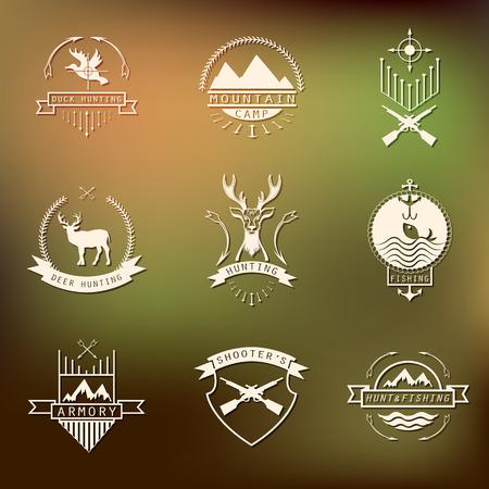 fusil de chasse: Ensemble de camping et la chasse. camp de montagne, la pêche, la chasse au cerf, étiquettes tireurs du club, badges.