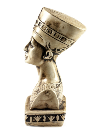 queen nefertiti: Famous bust of Queen Nefertiti isolated on white