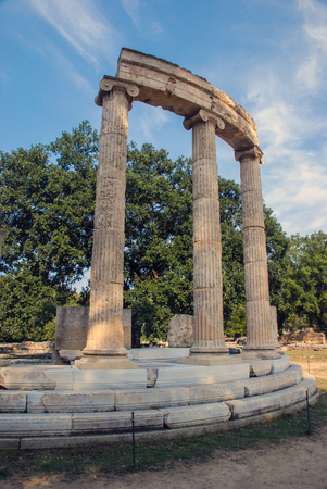 Ruins Filippeyon, only the annular building in Ancient Olympia is located to the west of the temple of Hera and Zeus is dedicated