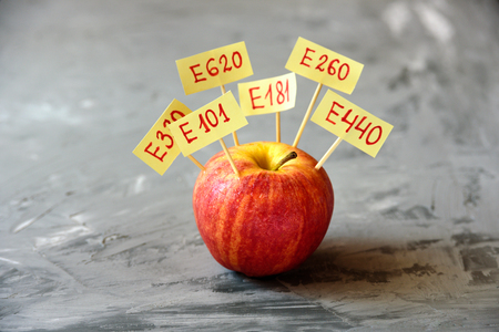 Fruit de pomme avec additifs E naturels. Concept d & # 39; alimentation saine