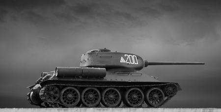 t34: black and white image of the Soviet T-34 tank Stock Photo