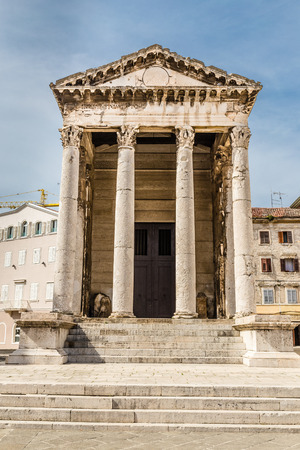 corinthian: Ancient Temple Of Augustus With Corinthian Columns - Pula, Istria, Croatia