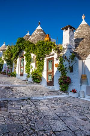 아름 다운 타운의 Trulli 하우스 - 풀 리아 지역, 이탈리아, 유럽 Alberobello 에디토리얼