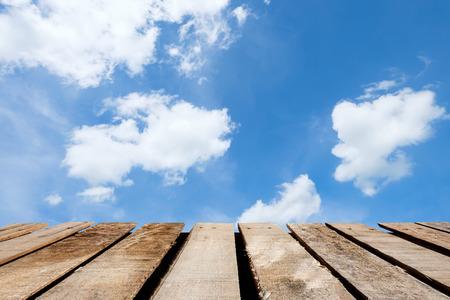wooden floor on blue sky and cloud Reklamní fotografie