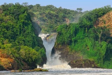 The waterfall Murchison Falls on the Victoria Nile, northern Uganda Imagens