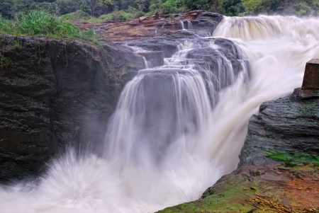 The waterfall on the Victoria Nile, northern Uganda Imagens - 13943056