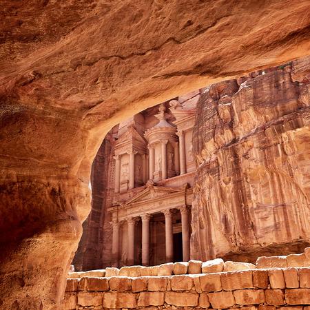 khazneh: Al Khazneh - the treasury of Petra ancient city, Jordan. View from tomb