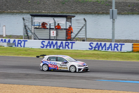 gti: Munkong Sathienthirakul in Volkswagen Golf GTI TCR of Liqui Moly Team Engstler in The 2016 TCR International Series on August 28, 2016 in Burirum, Thailand. Editorial