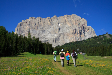 excursion to the Sassolungo - Val Gardena photo