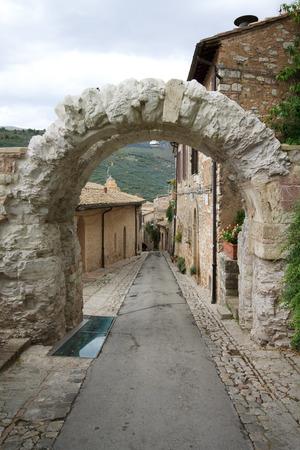 spello: Roman arch in Spello - Umbria