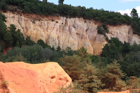 roussillon: the red earth of Roussillon, in Provence Stock Photo