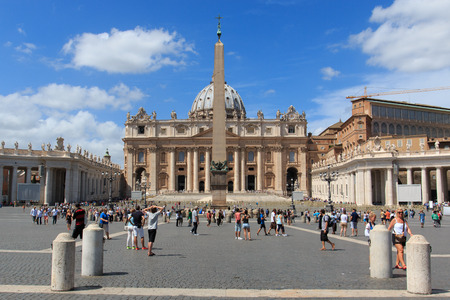 st peter s square: St. Peter square - Rome Editorial