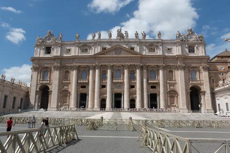 st peter s basilica: Basilica San Pietro - Rome Editorial
